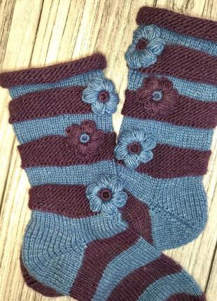 Красивые женские носки - идея для подарка - вязаные носки в полоску