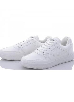 Женские белые кроссовки из экокожи