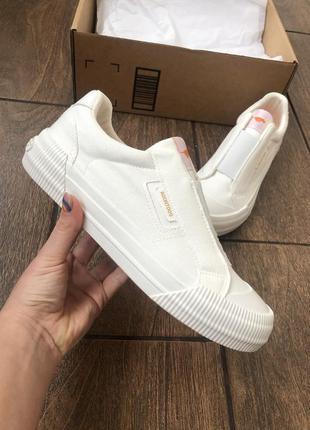 Новые брендовые кроссовки в коробке кеды оригинал из сша