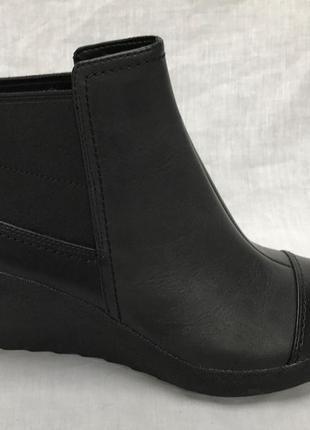 Женские кожанные ботинки clarks 36, 37, 41