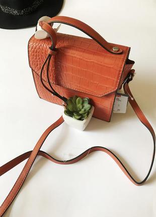 Шикарная сумочка c&a с ручкой и регулируемым ремешком
