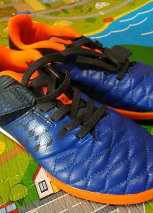 Фирменные стильные кроссовки decathlon, 33 размер