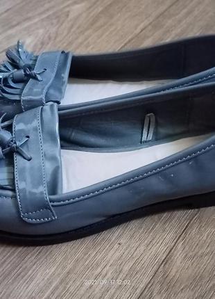 Лаковые туфли, р.39