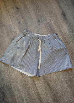 Классные, стильные шорты xs-s