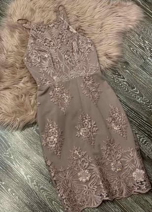 Шикарное платье английского бренда lipsy.