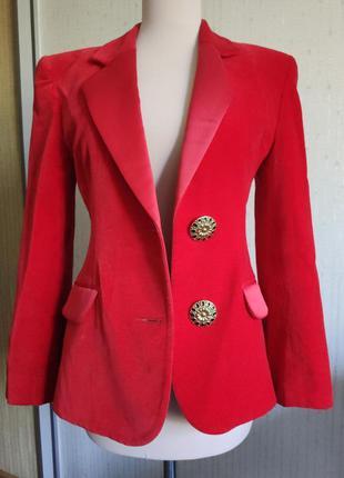 Красный бархатный пиджак кафтан cat cat