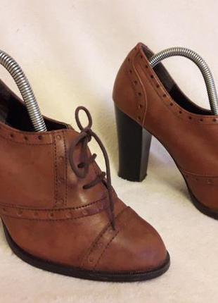 Кожаные туфли оксфорды фирмы new look p. 38 стелька 24,5 см