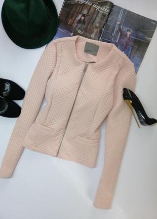 Осенняя розовая куртка косуха рельефная на осень m
