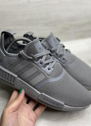 Чоловічі кросівки adidas nmd_r1