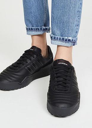 Кроссовки  унисекс колобрация alexander wang x adidas оригинал цена закупки бронь не ставлю!