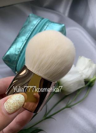 Кисть кабуки в футляре для пудровых текстур kiko milano unexpected