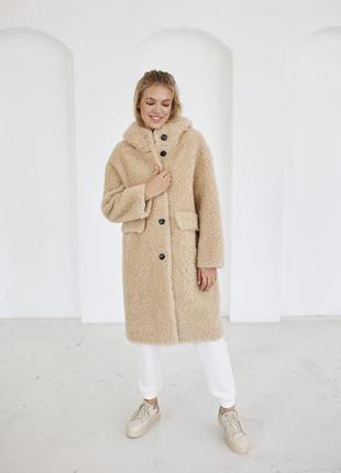 Зимняя шуба с капюшоном из овчины