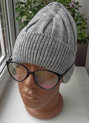 Новая модная шапка с люрексом (утеплена флисом) серая