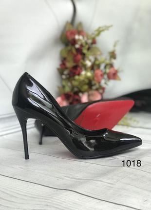 Черные красивые лаковые туфли женские