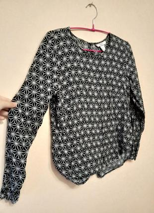 Стильна блуза з принтом