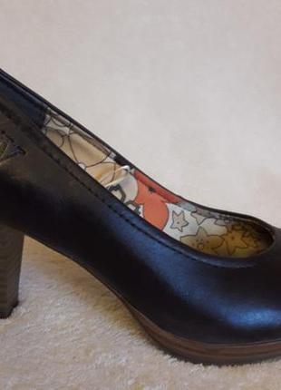 Кожаные туфли фирмы venturini p. 37 стелька 24 см