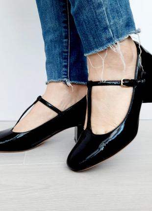 Шикарні зручні шкірянні туфельки