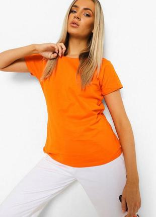 Boohoo. товар привезен из англии. неоновая футболка в бомбическом оранже.