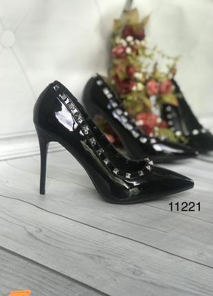 Черные туфли женские