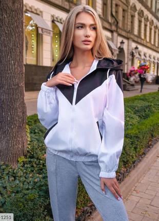 Женская ветровка куртка