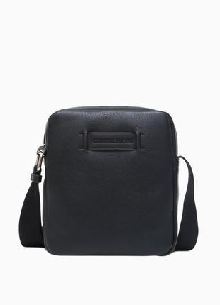 Мужская черная сумка calvin klein на плечо