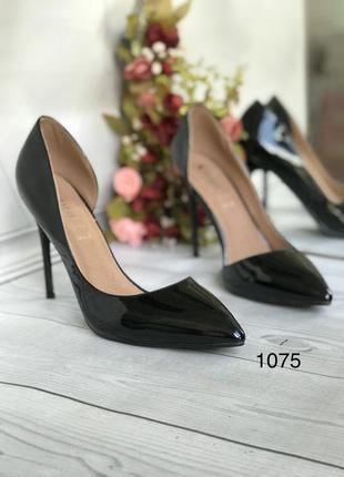 Черные туфли женские кожа