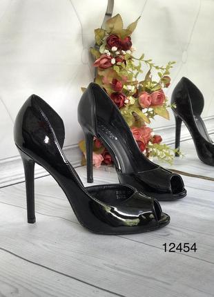 Черные лаковые туфли женские,открытые