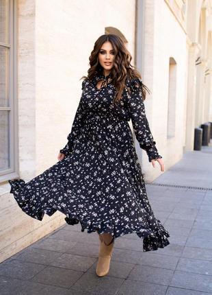 Красивое женственное платье макси