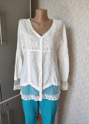 Красивая женственная блуза, рубашка с кружевом