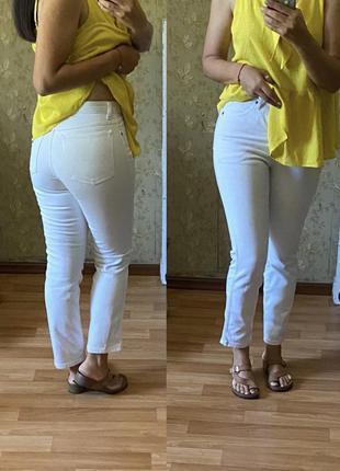 Белые прямые джинсы wrangler с завышенной посадкой