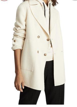 Пальто из шерсти цвета экрю полупальто молочного цвета
