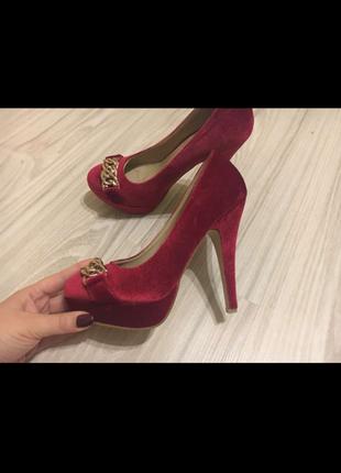 Модные велюровые туфельки