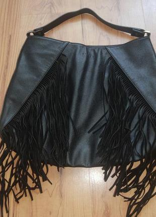 Красивая вместительная сумка с бахромой