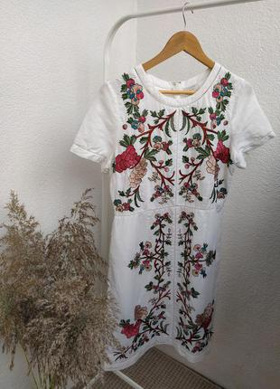 Роскошное льняное платье с вышивкой monsoon