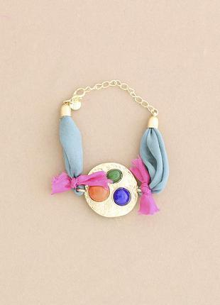 Стильный тканевый голубой браслет с металлическим декором (испания)