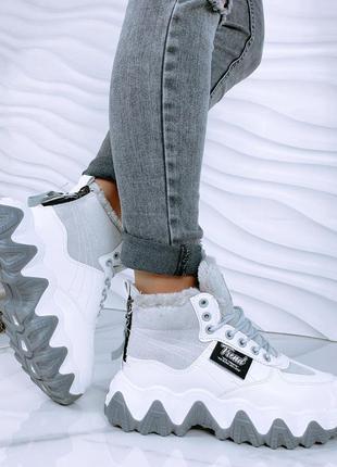 Зимние ботинки высокие кроссовки на массивной подошве шнуровка. распродажа