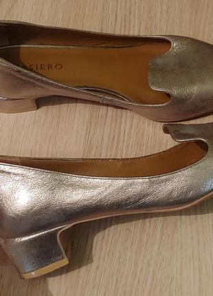 Туфли лоферы кожа золотистые удобный каблук 36-37рр.