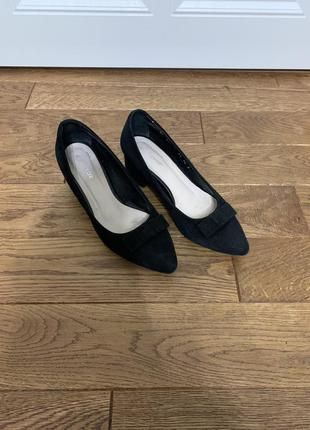 Жіночі туфлі натуральна замша 38