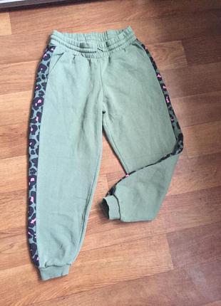 Тёплые спортивные штаны на манжетах ,хаки
