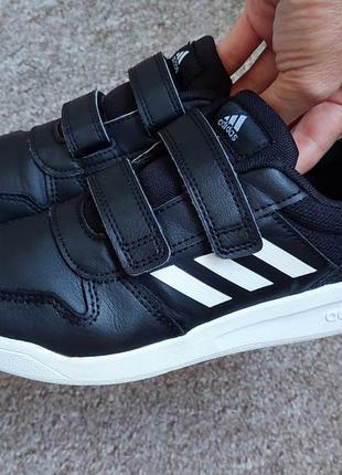 Кожаные кроссовки adidas, 33 размер, камбоджа