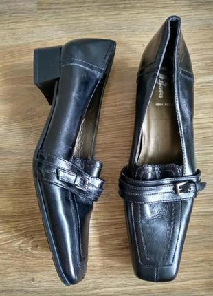 Bata кожаные туфли
