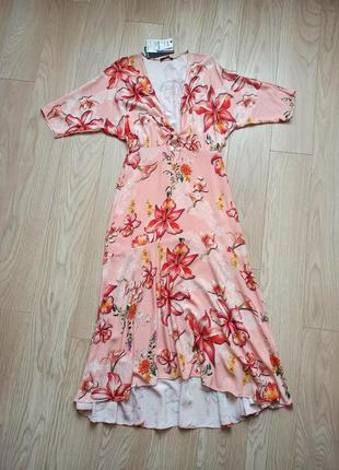 Длинное красивое платье в цветы, с воланом, р.м