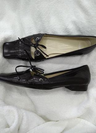 Трендовые туфли лодочки с квадратным носком mexx