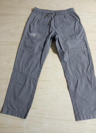 Спортивные брюки на мальчика 5-6 лет