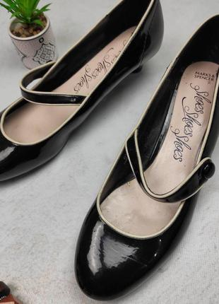 Туфли новые красивые под лак marks&spencer размер 40