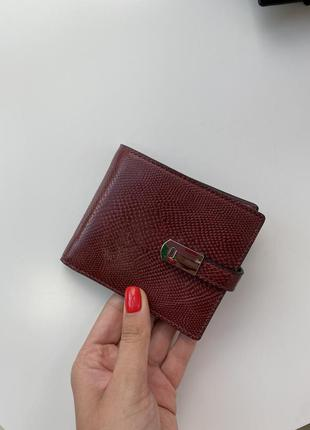 Класичний жіночий гаманець