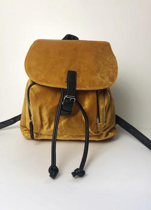 Велюровий рюкзак stradivarius