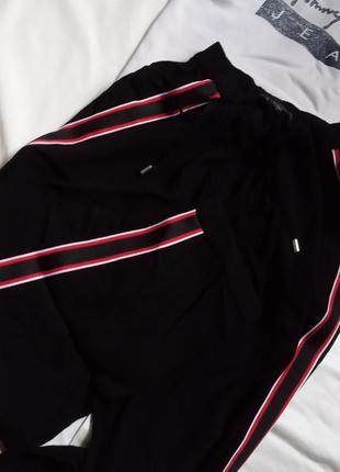 Класические брюки,спортивная интерпритация,трендовый крой,штаны