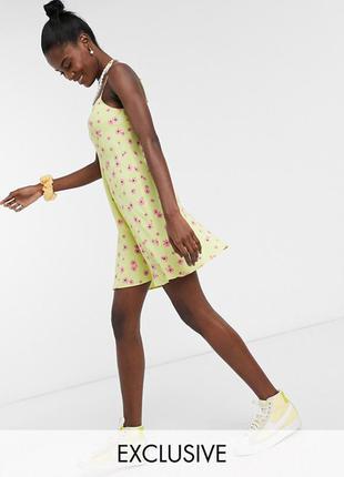 Лимонное платье с цветочным принтом