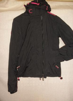 Непромокаемая непродуваемая куртка ветровка superdry на флисе